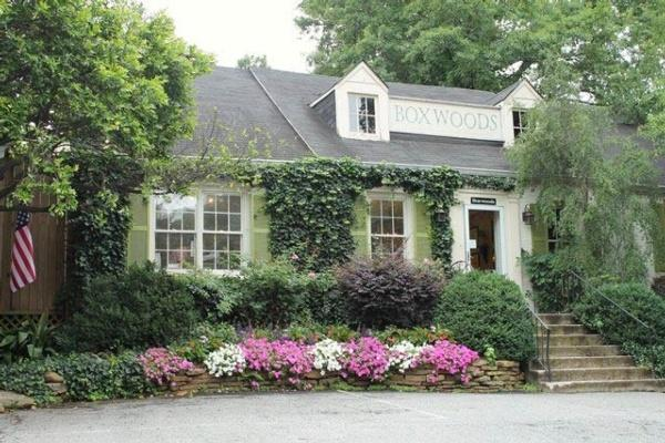 Boxwoods Gardens & Gifts